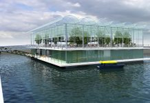 The-world's-first-high-tech-float-dairy-farm-1